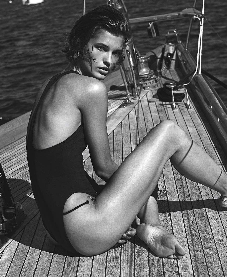 Vogue-Australia-December-2017-Julia-Van-Os-Sebastian-Kim-10.jpg