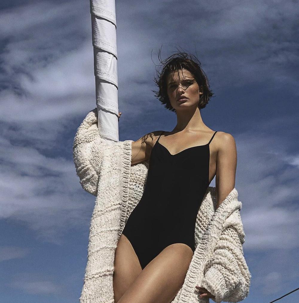 Vogue-Australia-December-2017-Julia-Van-Os-Sebastian-Kim-1.jpg